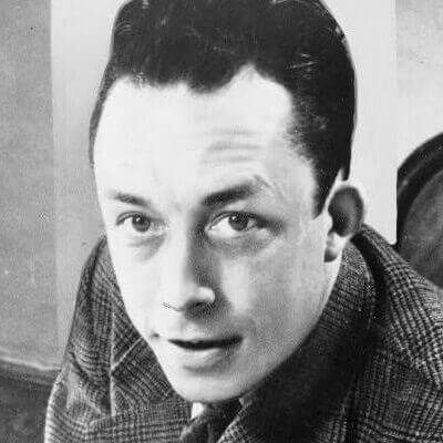 Der französische Schriftsteller und PhilosophAlbert Camus. Foto von 1957.